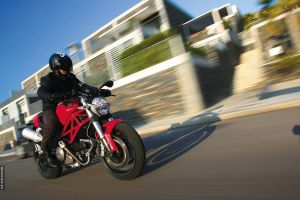 Мотоцикл Ducati Monster 696 2008
