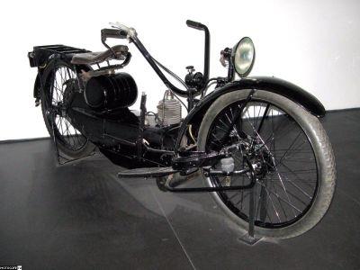 Папа всех байков с рычажной вилкой - Ner-A-Car. Выпускался с 1921 по 1927 в Англии и США