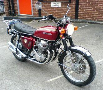 Honda CB750 1969. Эта модель до сих пор служит основой для создания кафе рейсеров