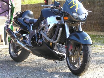 Suzuki Hayabusa. Влияние Bloodrunners видно невооруженным взглядом