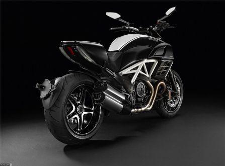 «Дьявол» носит AMG – спецверсия Ducati Diavel