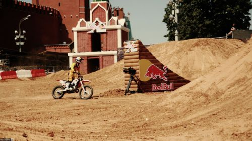 Red Bull X-Fighters 2010. Очерки с фристайл-полей Москвы!