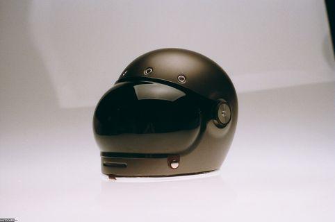 Шлем-интеграл в ретро стиле Bullitt