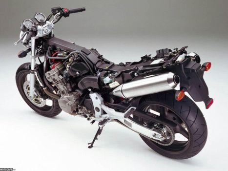 Хребтовая рама на Honda CB900F Hornet