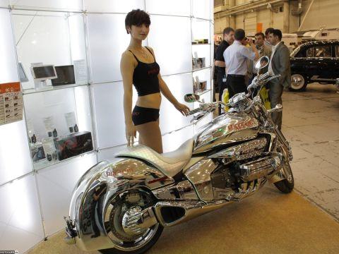 Лучшие девушки киевского International SIA Motor Show 2010