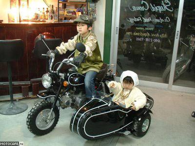 mt_ignore:BMW с коляской из Honda Monkey