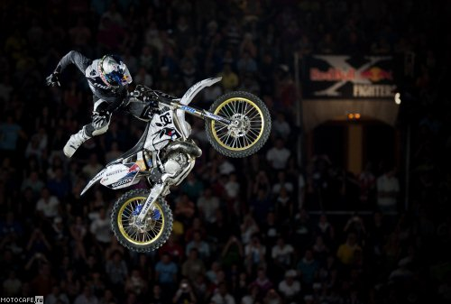 Испанский этап Red Bull X-Fighters 2010 у Робби Мэддисона